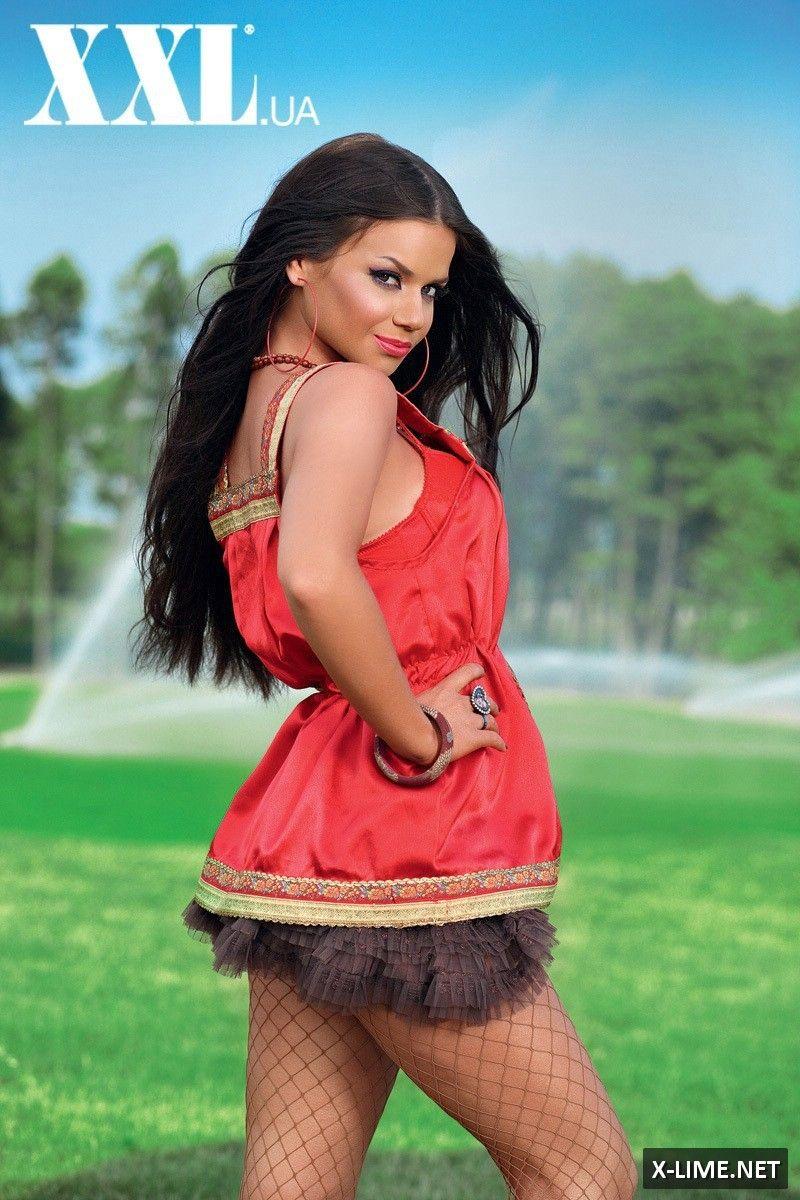 Голая Бьянка в откровенной фотосессии для журнала XXL