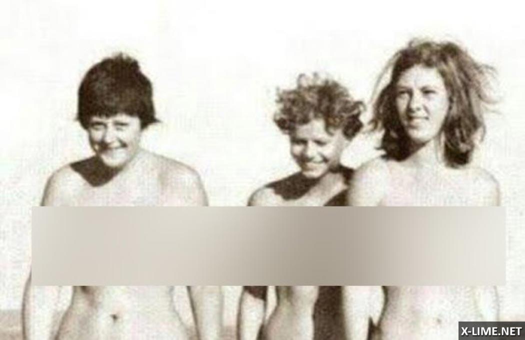 Слитые фото голой Ангелы Меркель в молодости на пляже