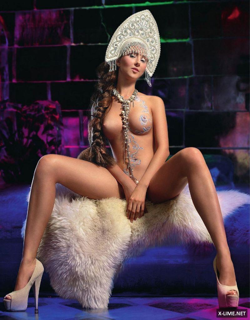 Обнаженная Марина Фирсова в откровенной фотосессии XXL
