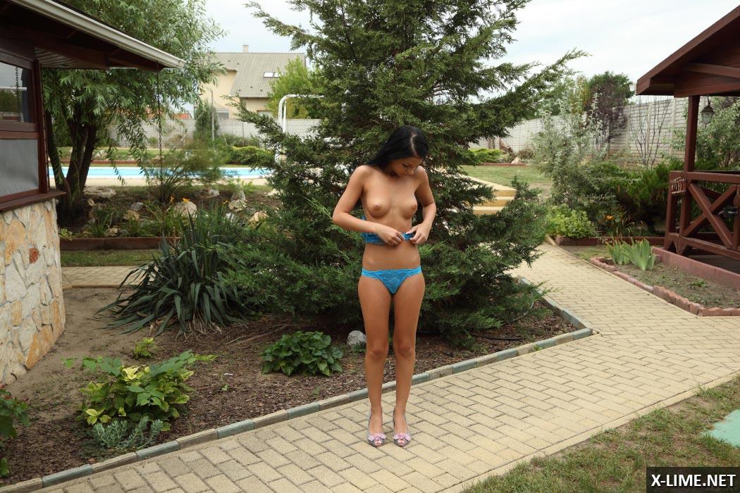 Порно фото кастинг молоденькой брюнетки