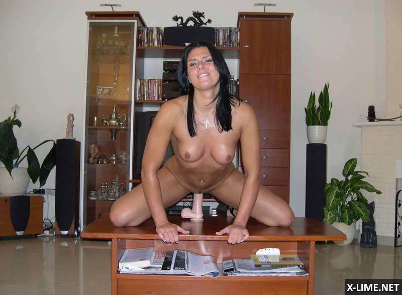 Частное сексуальной брюнетки (19 ФОТО)