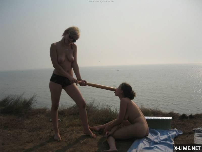 Частное голых подруг на отдыхе (18 ФОТО)